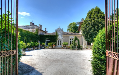 Ch. Fayau courtyard